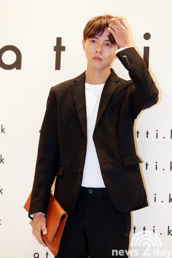 8位现时韩国最高人气的男模特