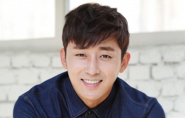 孫浩俊傳出與 YG 簽約