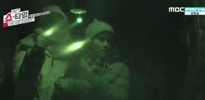 SM Entertainment artists' reactions when visiting and walking through YG Entertainment's dark, black headquarters. / Instiz