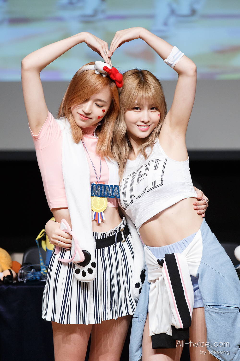 TWICE - Mina and Momo