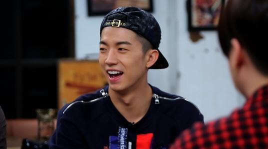 2PM愛炫結實腹肌 祐榮中看不中用