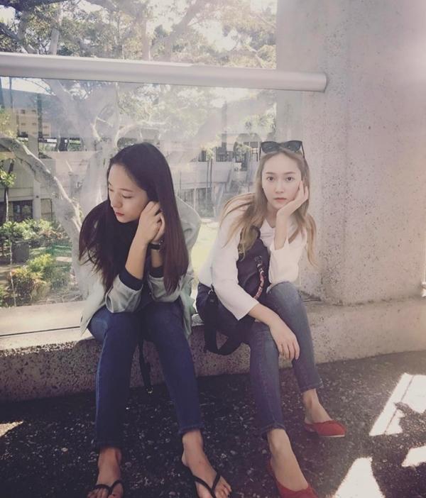 潔西卡、Krystal都穿這個! 修長鉛筆腿不相上下