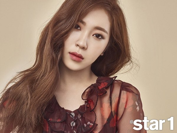 I (Yoon Ji)《@star1》畫報