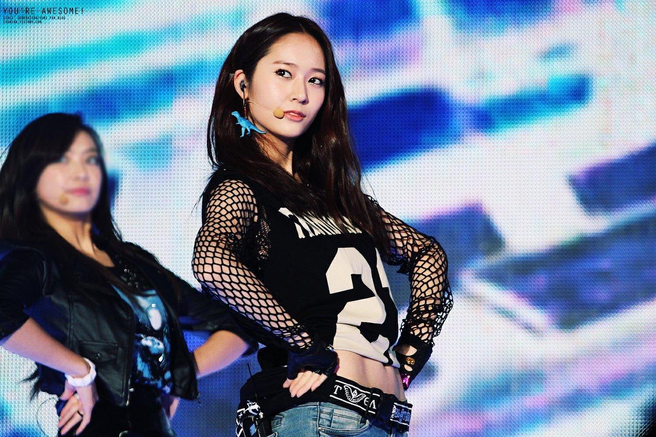 12 張f(x) Krystal相片展示她的Sexy Defined Abs - kpopdata.com 韓星資料庫 F(x) Krystal Abs