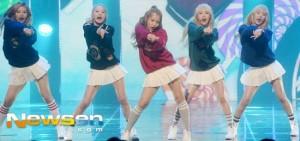 【照片】Red Velvet在《M COUNTDOWN》喜奪冠軍杯