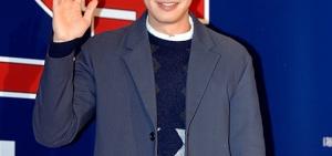 李光洙特級「義氣男」,擔任《人氣歌謠》特別MC