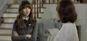 《學校2015》首播收視欠佳:金所炫一人分飾兩角 完美演技獲贊