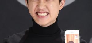 LAY遺憾缺席EXO回歸記者會 現場視頻連線告白「想念成員們」