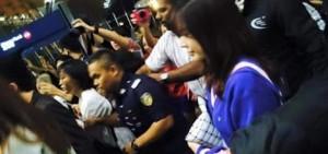 少女時代在馬來西亞機場被Fans包圍並幾乎受傷
