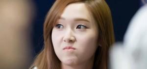 網友看到Jessica採訪片段後,表示她的英文水平沒有想像中好