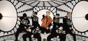 美Billboard盛讚f(x)Amber :不僅僅是一個組合的Rapper