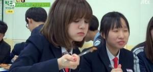Hani發揮吃貨精神 '暴風吸入'學校伙食