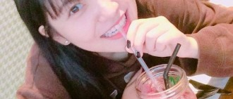 Red Velvet日常即寫真 Yeri喝'血'、Joy扮花萌翻天