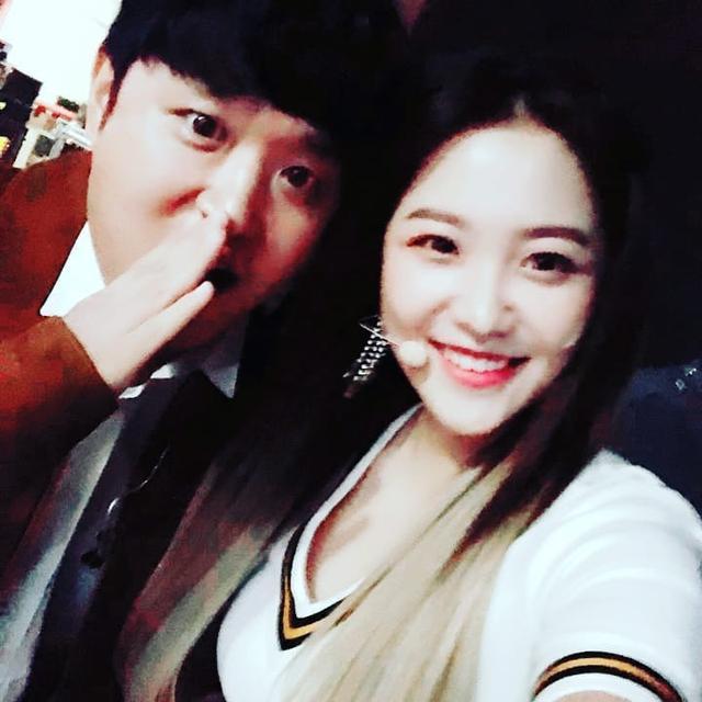 女團Red Velvet忙內是柳宰賢表妹? 韓娛圈又一對有親戚關係的藝人