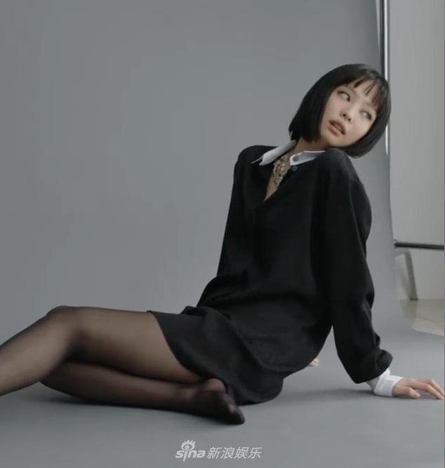 組圖:JENNIE短髮造型登時尚雜誌 齊劉海顯清純