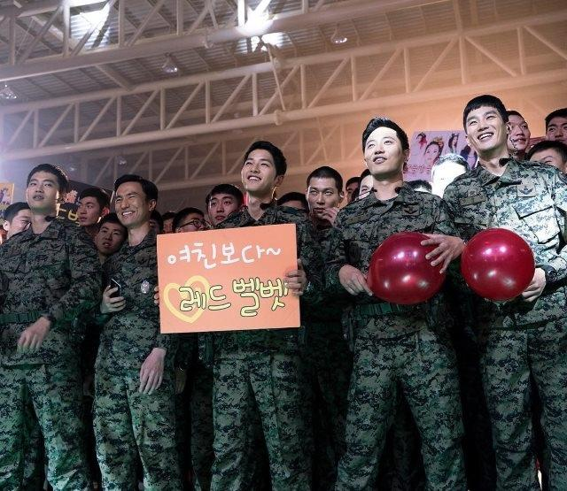 GD爆料軍隊最受歡迎女團,他托鄭亨敦拿TWICE簽名?