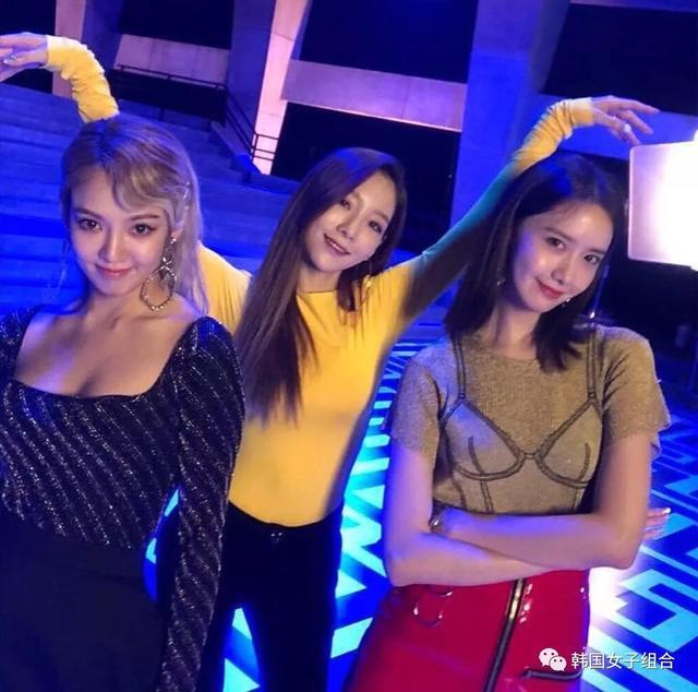 Tiffany凌晨三點給Yuri發訊息,孝淵曬與泰妍、允兒花絮照!
