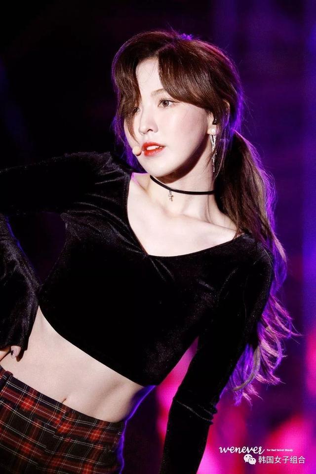 Red Velvet參加K-POP演唱會,Wendy的劉海和腹肌被媒體報導!