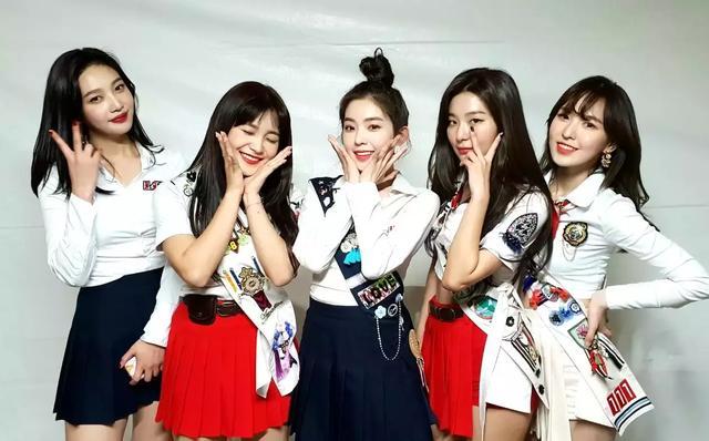 韓網統計女團V LIVE追蹤人數TOP10,來看看有那些女團上榜吧!