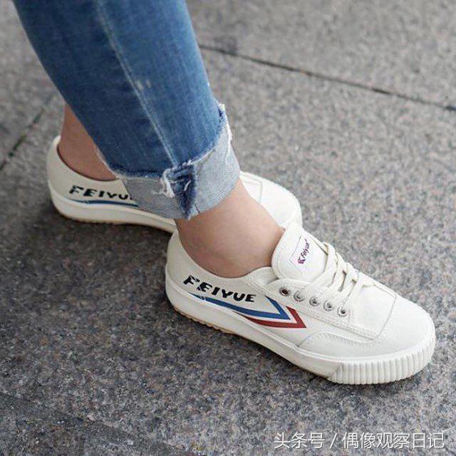 韓國偶像腳上的鞋子原來是這雙網紅鞋,小時候你一定也穿過!