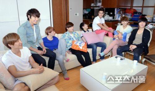 結束宿捨生活的Super Junior住同一小區、甚至住進同一棟公寓?