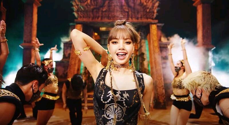 只有LISA做得到? 出道突破南韓所有女Solo預售銷量,中韓評價好嗎