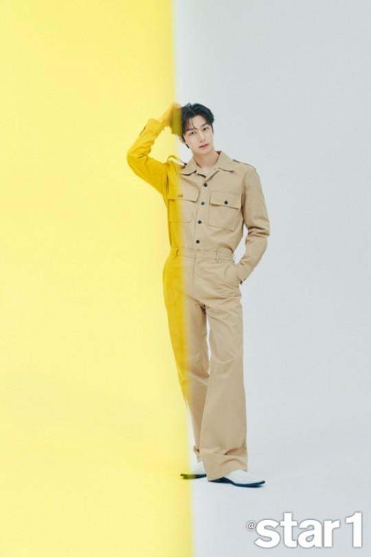 韓國男團MONSTA X成員蔡亨源拍雜誌封面寫真