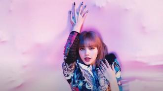 超越BLACKPINK!LISA個人專輯初動突破73萬張,創女愛豆新紀錄