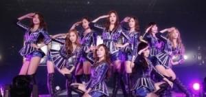 少女時代精選集<THE BEST>,weekly榜10天仍舊維持第一併向銷量不斷刷新.