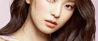 尹寶拉寫真採訪公開 展優雅成熟魅力