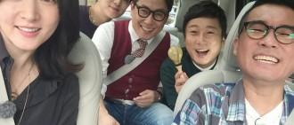 SBS發布新綜《唱歌的明星》劇照 李英愛與眾MC合影