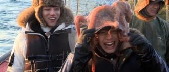 《握拳汽笛船》曝預告照 陸星材與巨型章魚「玩親親」