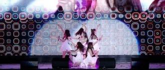 女團成員被問舞台上摔倒往事,她說手指頭骨折其實不怎麼痛!
