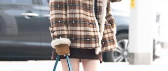 首爾5度! 潤娥穿「膝上25公分」短裙 白皙嫩腿全露...網看暈