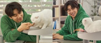 孔劉與貓同居拍廣告展現與喵星人親溺默契