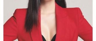 女團成員挑逗魅力的大紅唇,網友卻覺得尺度有點大?