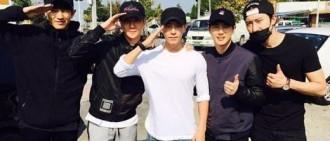 Super Junior李東海入伍 EXO後輩相送