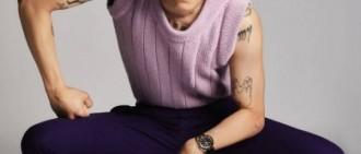 宋旻浩最新雜誌寫真曝光 金髮紋身展狂野獨立氣質