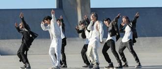 防彈再登Billboard200首位 披頭四之後首個急速「四冠王」