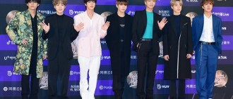 金唱片獎V行紅地氈跌倒行大禮 BTS與Pengsoo熱舞引爆笑