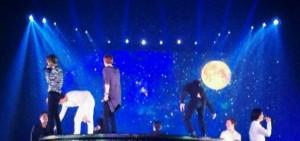 SJ演唱會全員再現「金希澈失誤」 手忙腳亂引全場粉絲爆笑