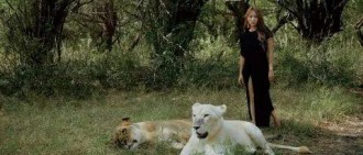前女團成員演繹真實美女與野獸!感覺需要很多勇氣
