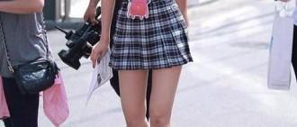 17位女KPOP IDOL的學生服照片