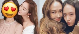 Jessica首次公開與母親合照 網民大讚媽媽好年輕猶如兩姊妹