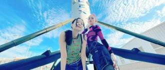 馬斯克女友帶JENNIE參觀火箭 二人親密曬合照