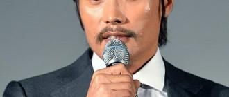 李秉憲「脅迫案」后首次公開亮相 「作為演員,我…」