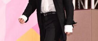 《Produce 48》辦製作發表會 李昇基等攜練習生出席