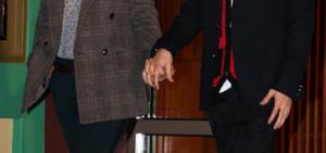 Tablo曝妻子姜惠貞性格木訥 反而自己愛撒嬌